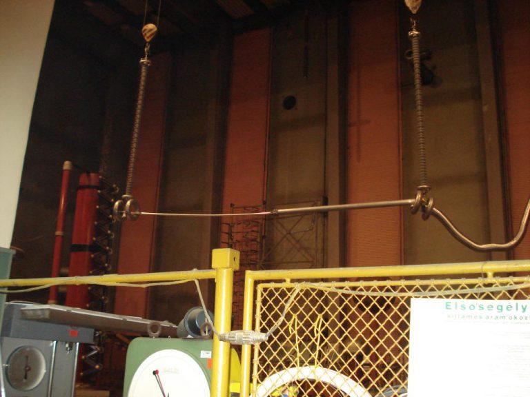 تست کلمپ پست برق شرکت نوین انتقال ایرانیان (مهنا) در آرمایشگاه ویکی مجارستان 8